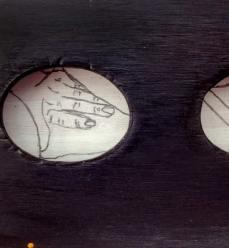 mask-locket-detail